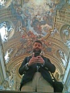 W Il Gesu przemyślni jezuici umieścili lustro do robienia sobie selfie. Odkryłem też, że za jego pomocą można obejrzeć sklepienie bez bólu szyi #lifehack